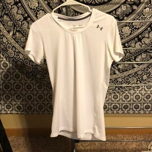 White fitted under armour shirt